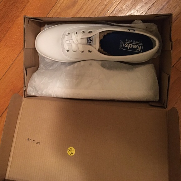 Classic Keds Champion white leather sneakers-NEW!!